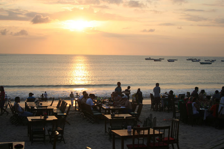 Restoran Pinggir Pantai Jimbaran